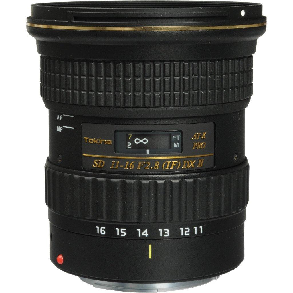 L'AT-X 116 PRO DX II 11-16mm f / 2.8 Lens for Canon Mount Tokina è uno zoom autofocus con angolazione ultra-larga con un' apertura massima di f / 2,8.